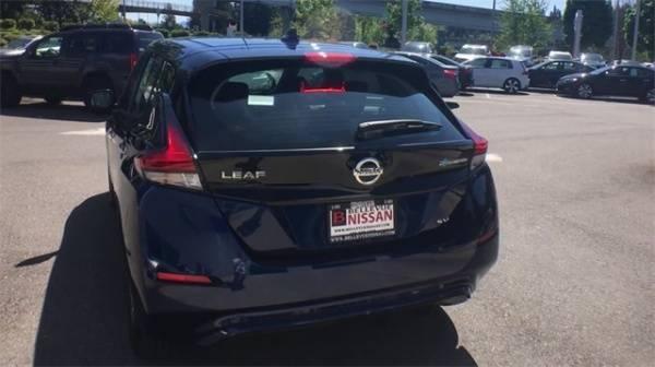 2018 Nissan LEAF 1N4AZ1CP3JC302025