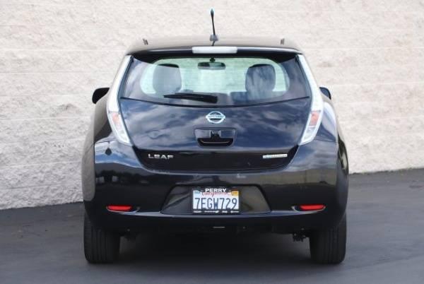 2014 Nissan LEAF 1N4AZ0CP0EC330235