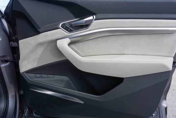 2019 Audi e-tron WA1VAAGE5KB010518