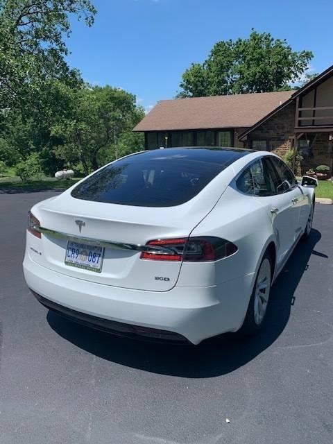 2016 Tesla Model S 5YJSA1E25GF160358