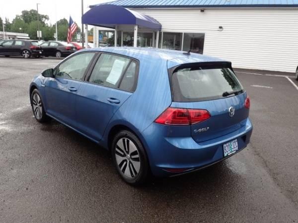 2016 Volkswagen e-Golf WVWKP7AU4GW911406