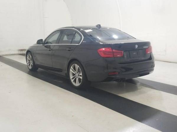 2017 BMW 3 Series WBA8E1C38HA156855