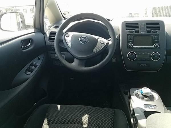 2017 Nissan LEAF 1N4BZ0CP2HC305832