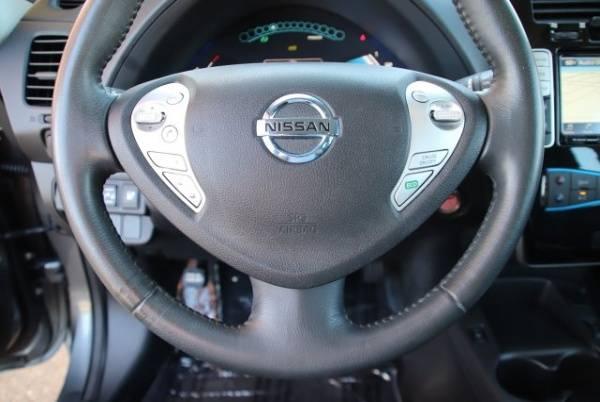 2017 Nissan LEAF 1N4BZ0CP7HC300447