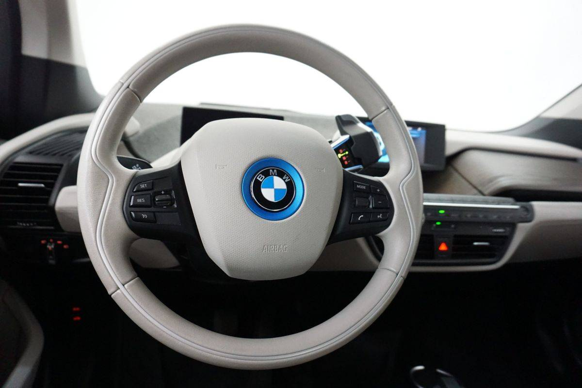 2017 BMW i3 WBY1Z6C31HV548640