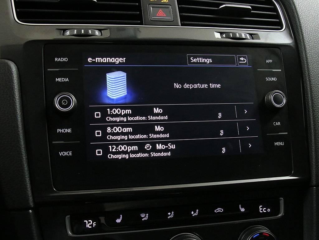 2017 Volkswagen e-Golf WVWKR7AU5HW953711