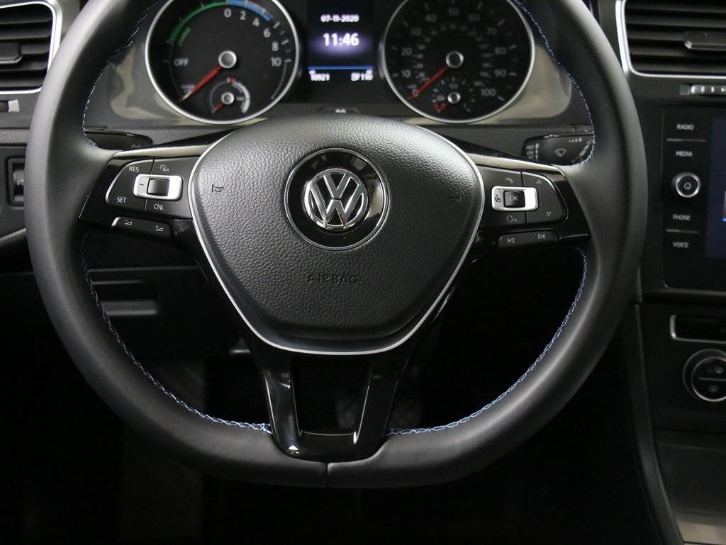 2017 Volkswagen e-Golf WVWKR7AUXHW953655