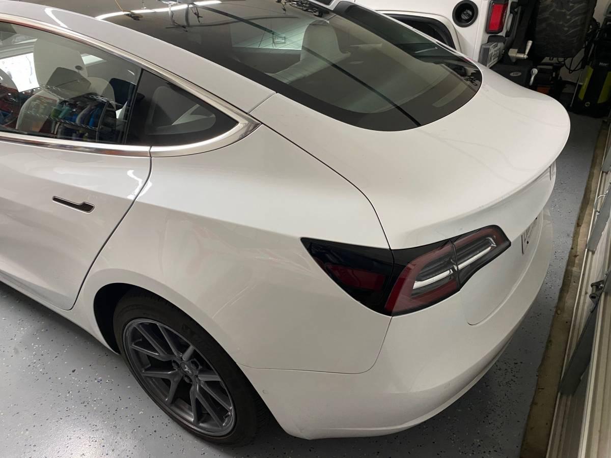 2018 Tesla Model 3 5YJ3E1EB2JF086008