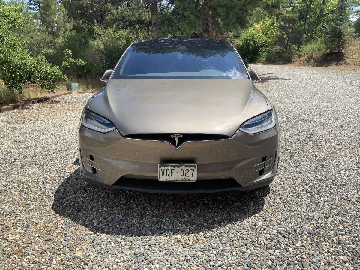 2016 Tesla Model X 5YJXCAE28GF004587