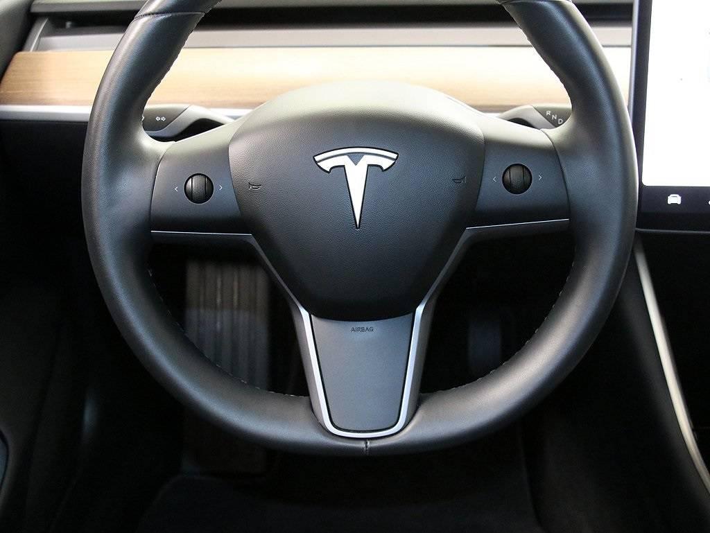 2019 Tesla Model 3 5YJ3E1EB4KF211057