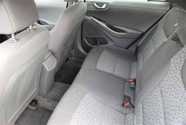 2018 Hyundai IONIQ KMHC75LH3JU028968