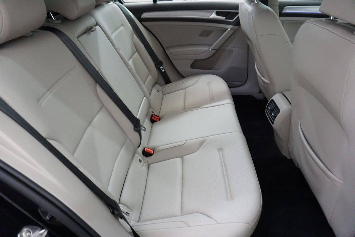 2016 Volkswagen e-Golf WVWPP7AU5GW915812