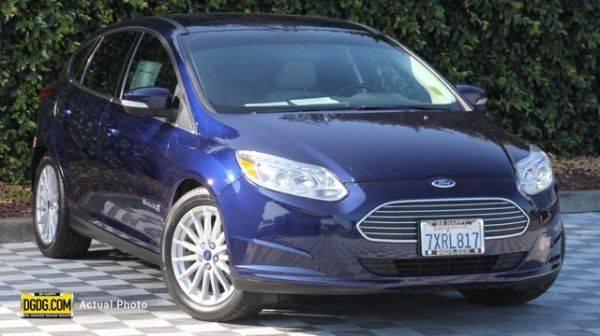 2017 Ford Focus 1FADP3R44HL230824