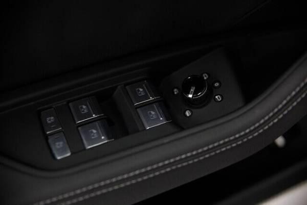 2019 Audi e-tron WA1LAAGE5KB009313
