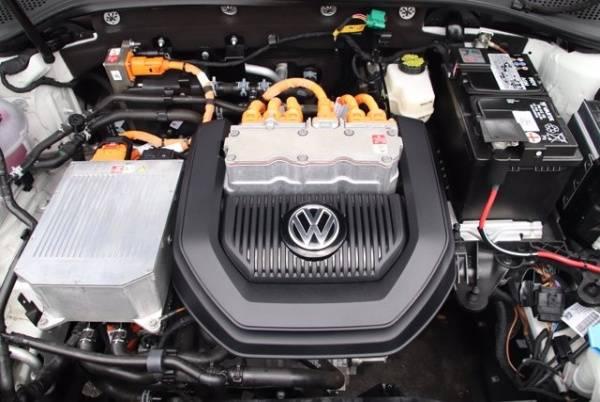 2016 Volkswagen e-Golf WVWKP7AU0GW915873