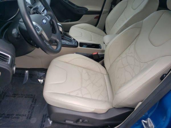 2016 Ford Focus 1FADP3R40GL401079