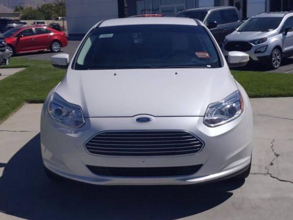 2012 Ford Focus 1FAHP3R43CL458338