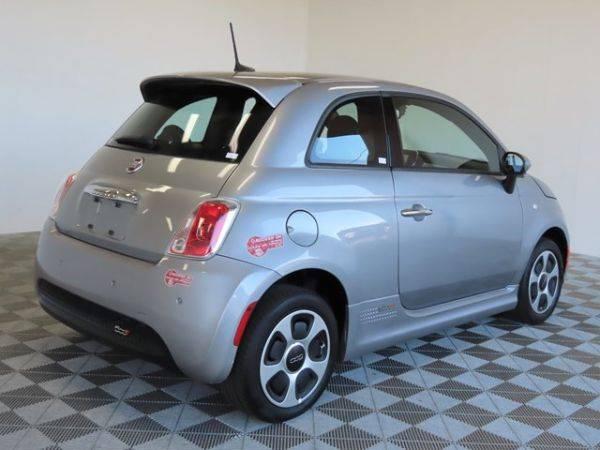 2017 Fiat 500e 3C3CFFGE6HT643598