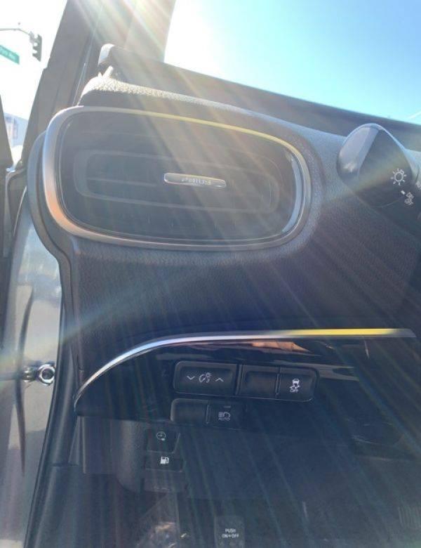 2017 Toyota Prius Prime JTDKARFP2H3066235