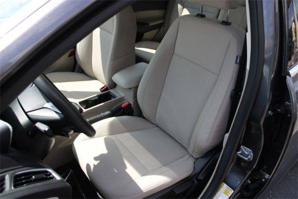 2016 Ford Focus 1FADP3R4XGL406256