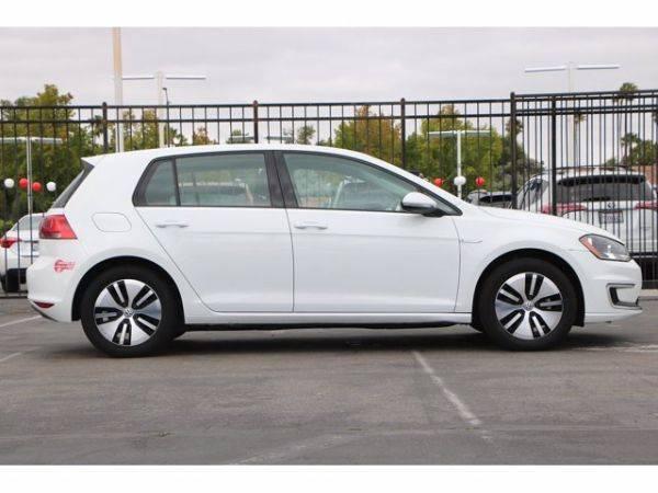 2016 Volkswagen e-Golf WVWKP7AU5GW910703
