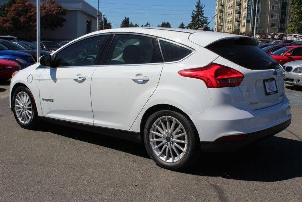 2015 Ford Focus 1FADP3R40FL221356
