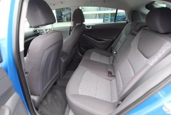 2017 Hyundai IONIQ KMHC75LH3HU009038