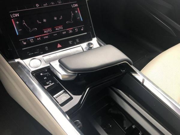 2019 Audi e-tron WA1LAAGE9KB010920