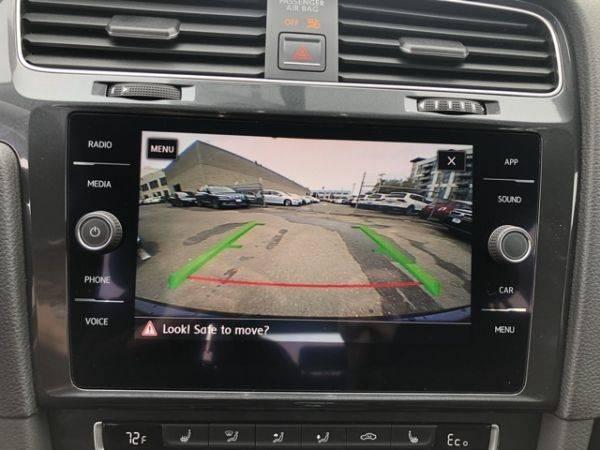 2018 Volkswagen e-Golf WVWKR7AU4JW907082