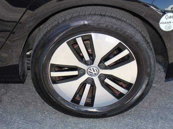 2017 Volkswagen e-Golf WVWKR7AU7HW950650