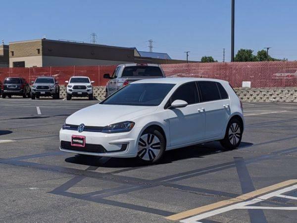 2016 Volkswagen e-Golf WVWPP7AU1GW915595
