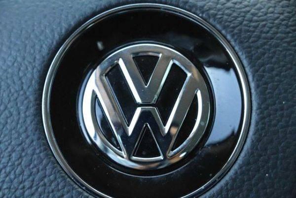 2017 Volkswagen e-Golf WVWKR7AU7HW953550