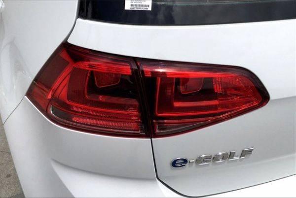 2016 Volkswagen e-Golf WVWKP7AU0GW913489