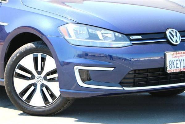 2017 Volkswagen e-Golf WVWKR7AU0HW950473