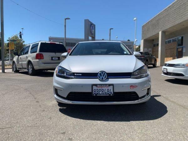 2017 Volkswagen e-Golf WVWPR7AU6HW950337