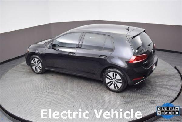 2018 Volkswagen e-Golf WVWKR7AU6JW908945
