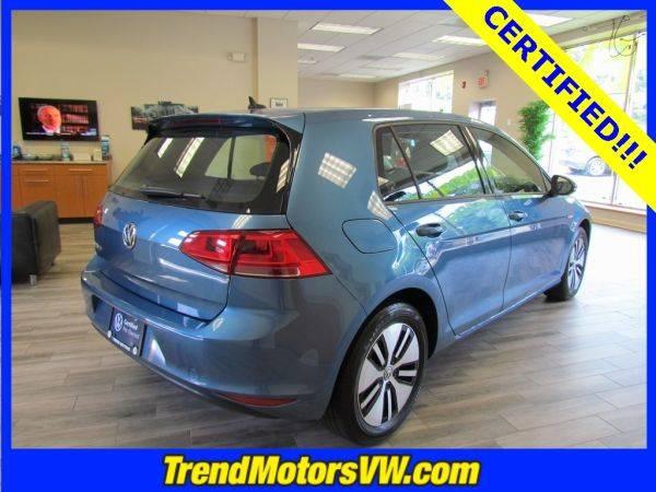 2016 Volkswagen e-Golf WVWKP7AU3GW914703