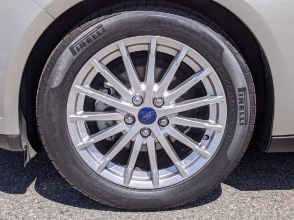 2015 Ford Focus 1FADP3R46FL204867