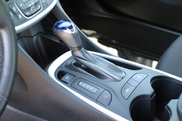 2017 Chevrolet VOLT 1G1RC6S5XHU211049