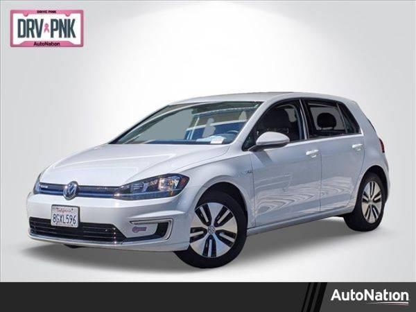 2018 Volkswagen e-Golf WVWKR7AU8JW907098