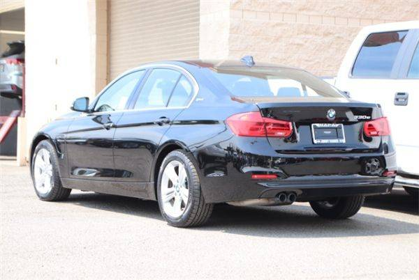 2017 BMW 3 Series WBA8E1C31HA030028