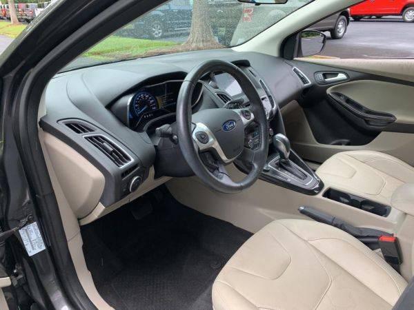 2016 Ford Focus 1FADP3R41GL287674