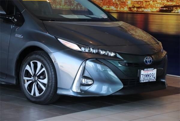 2017 Toyota Prius Prime JTDKARFPXH3014657