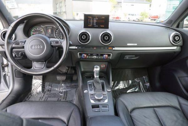 2016 Audi A3 Sportback e-tron WAUUPBFF0GA085217