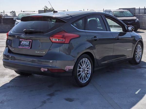 2016 Ford Focus 1FADP3R42GL262914