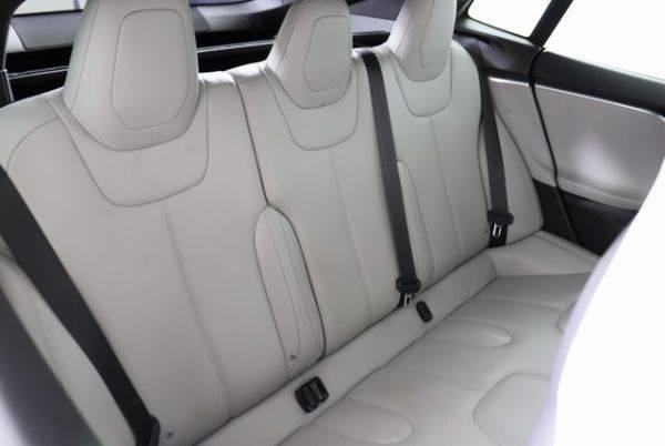 2016 Tesla Model S 5YJSA1E27GF120203