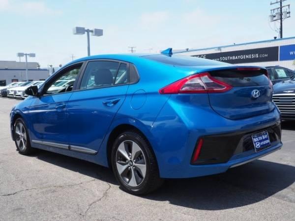 2017 Hyundai IONIQ KMHC75LH6HU009230