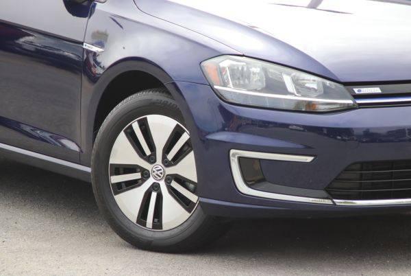2017 Volkswagen e-Golf WVWKR7AU0HW954703