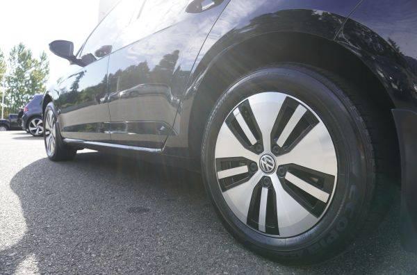 2017 Volkswagen e-Golf WVWKR7AU4HW953862
