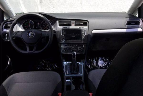 2016 Volkswagen e-Golf WVWKP7AU4GW915147